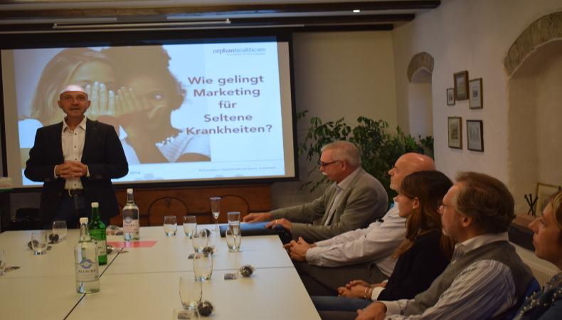 Frank Grossmann erklärt warum Branding auch fuer eine Stiftung wichtig ist.
