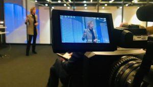 Frau Jungo Brüngger - Daimler Vorstand - Compliance und Legal - bei ihrem Impulsreferat.