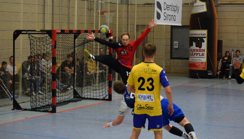 HSG Konstanz Superball 2019 - auch Maximiliam Wolf kann nicht alle Bälle halten.
