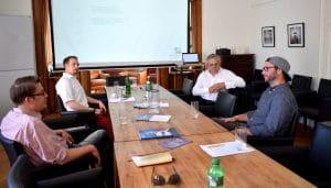 mclago-academy-in-der-runde-mit-den-referenten